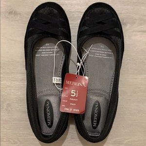 Brand New Merona Black Flats Size 5 1/2